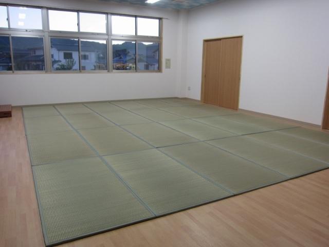 茶道教室や保護者会などがある多目的室です(^^)